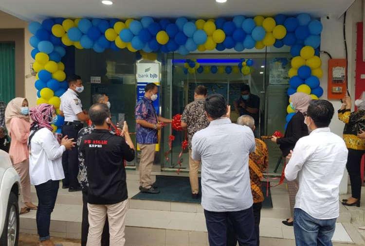 Sijori Id Menutup Tahun 2020 Bank Bjb Buka Kantor Kas Baru Di Sp Plaza Batu Aju Kota Batam